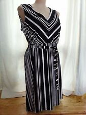 Black White stripes that slim and lengthen shape desk to dinner DRESS size 20