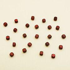 48 cubes en bois percés marron. Décoration de mariage