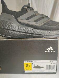 Men Adidas, sz. 8.5, ultraboost 21, all black.