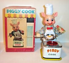 NICE 1950's BATTERY OPERATED PIGGY COOK TIN LITHO TOY BURGER CHEF'S BBQ BUDDY