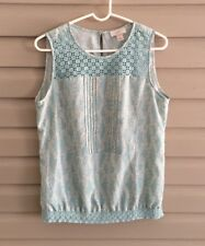 Ann Taylor Loft size Medium mint green & cream floral crochet pleated tank top
