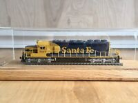 HO Scale KATO SD40-2 Locomotive Santa Fe unit #5027 Made In Japan Runs Good