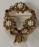 Vintage Gold Tone & Rhinestone Wreath Pin w/Faux Pearls Holiday Christmas Brooch