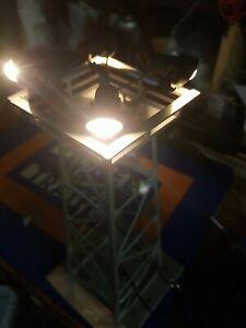 LIONEL 395 FLOODLIGHT TOWER *  4 LIGHT * POST WAR * WORKS
