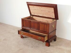 LEXINGTON Furniture Co. Chippendale Cherry & Cedar Blanket Hope Mule Chest