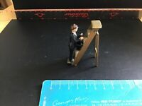 Vintage Britains Era Lead Tradespeople. Window Cleaner On Stepladder.1/32 Scale.