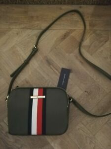 Tommy Hilfiger BNWT Ladies Poppy Grape Leaf Crossbody Bag