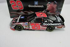 Kevin Harvick #29 2005 Monte Carlo Club Car GM Goodwrench 1 of 600