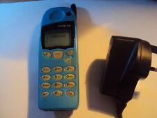 Original Nokia retro azul de bebé 5110 Desbloqueado Teléfono Móvil + Cargador + Batería