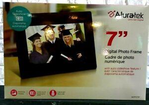 Aluratek ADPF07SF 7 in Digital Photo Frame
