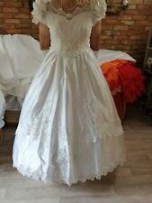 ein Brautkleid/Kostüm in weiß Gr 48/50/52 mit langer Schleppe