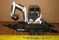 Vintage Bobcat 325 Compact Excavator & T-10 Tow Master Trailer 1:25 Melroe Toys