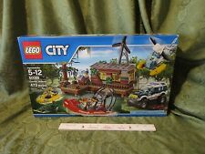 Lego New Crooks Hideout city swamp helicopter boat croc 60068 473 pcs police car