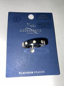 BNWT PLATINUM PLATED/CUBIC ZIRCONIA BAND RING SIZE L