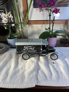MATCHBOX 1925 Model TT Ford Parts Delivery Truck 1/18Scale RARE Mattel