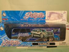 Maisto-Playerz Tourbus 1:64 Scale Luxury Diecast Collection