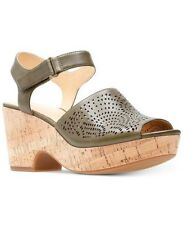 CLARKS Women's Maritsa Nila Wedge Sandal Size 9.5 Color Khaki Leather