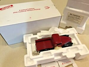 Danbury Mint Limited Edition 1941 General Motors Half-Ton Pickup - 1:24 - NIB