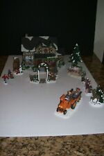 Lovely 2007 The Village Collection by St.Nicholas Square House plus 12 Extra Pie