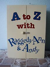 Vintage RAGGEDY ANN & ANDY ALPHABET A to Z BLOCK DISPLAY CABINET BOX VGC