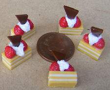 1:12 Scale 5 Strawberry Slice Cakes Dolls House Miniature Kitchen Accessories Lz