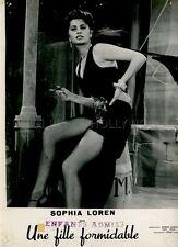 SEXY SOPHIA LOREN CI TROBIAMO IN GALLERIA 1957 VINTAGE PHOTO ORIGINAL #2 LEGGY
