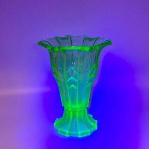 "Art Deco Green Uranium Glass Vase 1930s Stippled Chevron 12 Sided European 7"""