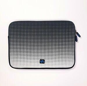 """Neoprene Soft Tablet/Laptop Zipper Case Sleeve 10x13"""" Black & White Dots"""