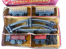 "HORNBY ""O""  COFFRET ""TRAIN  M 1 ""  LOCO MÉCANIQUE - TENDER - 2 WAGONS  1948"
