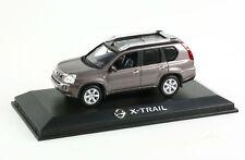 Voiture civile  Miniature Nissan X-Trail 1/43
