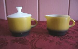 VTG. ANCHOR HOCKING COLORED MILK GLASS SUGAR AND CREAMER