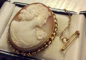 Beautiful Ladies Stamped Early Vintage 9CT Gold Lovely Large Cameo Brooch Nice