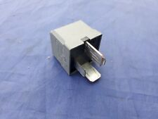 GENUINE MERCEDES BENZ RELAY <> 4 PIN <> 12v <> GREY <>