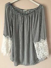 new gorgeous off should black top sexy 3/4 lace sleeves lace beautiful boohoo