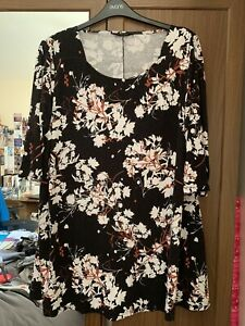 Yours Black Floral Print Top - Sz 22/24