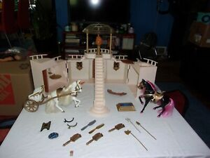 GOLDEN GIRL PALACE OF GEMS,ACTION FIGURES, HORSES Clothes HUGE LOT
