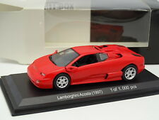 Lamborghini Ascota rouge  1//43 Whitebox WHT513