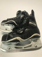 Easton Ultra Lite Ice Hockey junior Skates skate size 4 D Fast Shipping