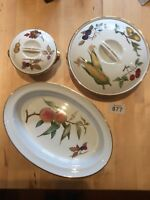 ROYAL WORCESTER TWO BOWLS WITH LID AND A SERVING DISH VGC