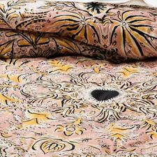 NEW! Opalhouse Tufted Floral Medallion Queen / Full Quilt
