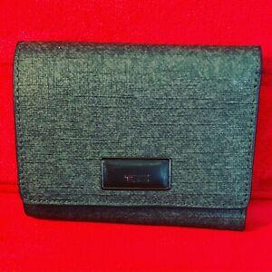 A Very Beautiful Sleek Tumi Leather Sinclair Wallet