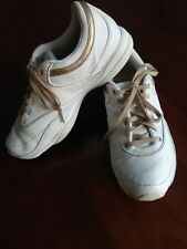 673bf46210bd Reebok Easy Tone white And Gold Trainers Size 4