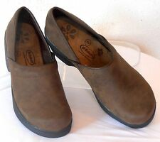 DR SCHOLL'S Size 8 M Brown Nubuck Leather Medium-Heel Gel-Pac Comfy Work Clogs
