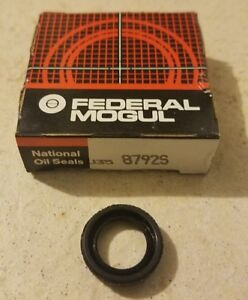 BRAND NEW FEDERAL MOGUL NATIONAL OIL SEALS 8792S MANUAL SHAFT SEAL!