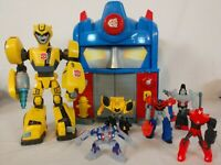 TRANSFORMERS - Rescue Bots - Optimus Prime Firehouse - w/ Bumblebee & Figures