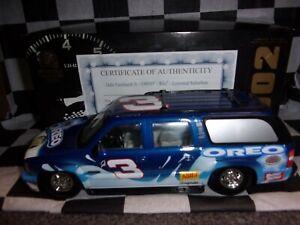 Dale Earnhardt Jr #3 Oreo/Ritz 2002 Lowered Suburban 1:24 scale Action NASCAR