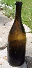 ancienne et joli bouteille en verre soufflé a goulot très fin