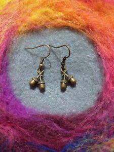 Beautiful Boho Acorn Earrings bronze