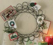 TAG Spiral Wreath Card Holder (770152)
