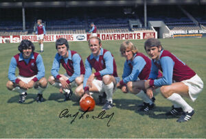 *LOW PRICE* HAND SIGNED ASTON VILLA 12x8 PHOTO 1970 : ANDY LOCHHEAD